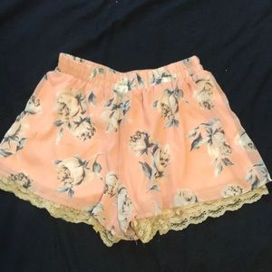 Floral shorts with lace layer